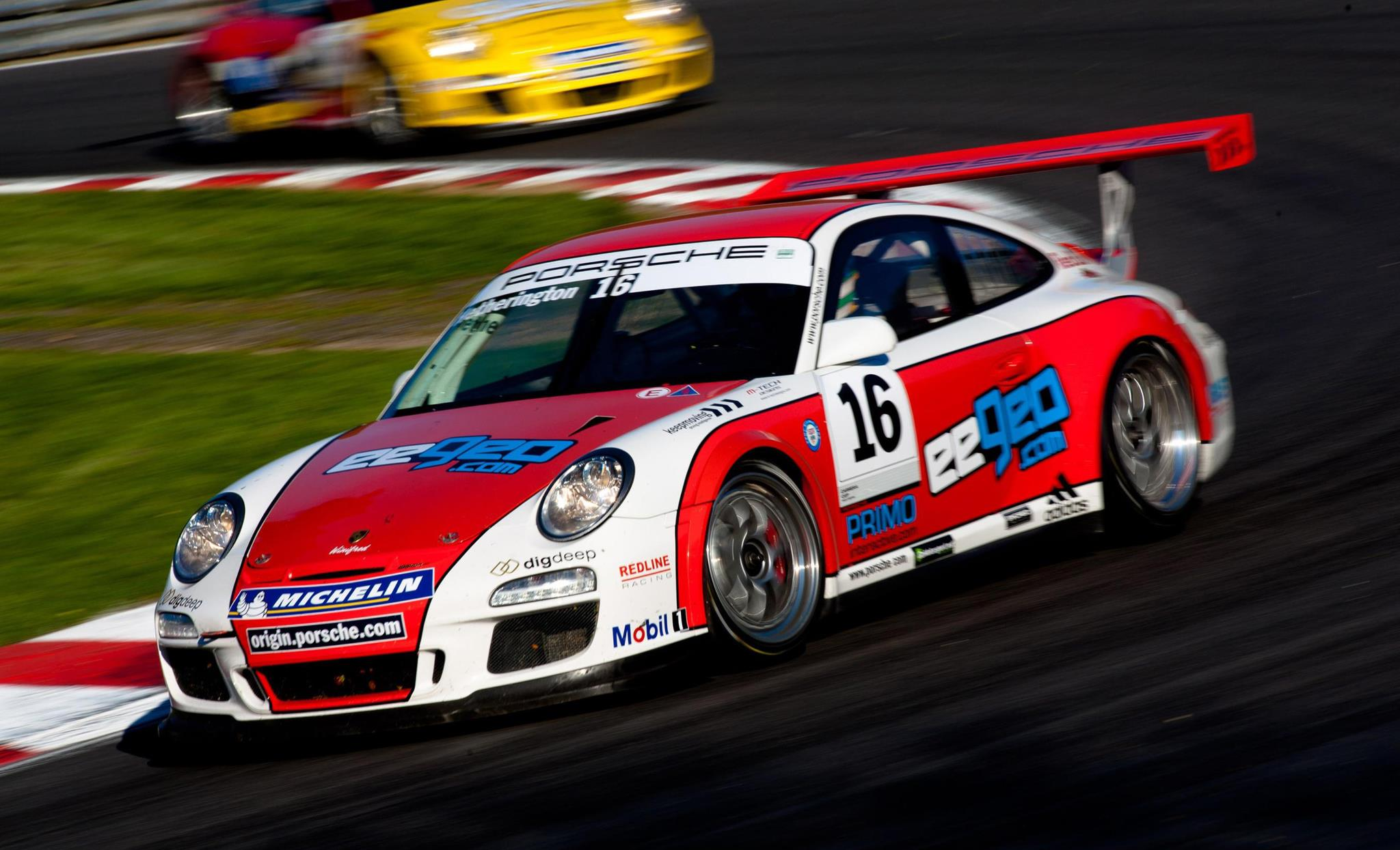 Primo Interactive sponsor Ben Hetherington in the Porsche Carrera Cup GB